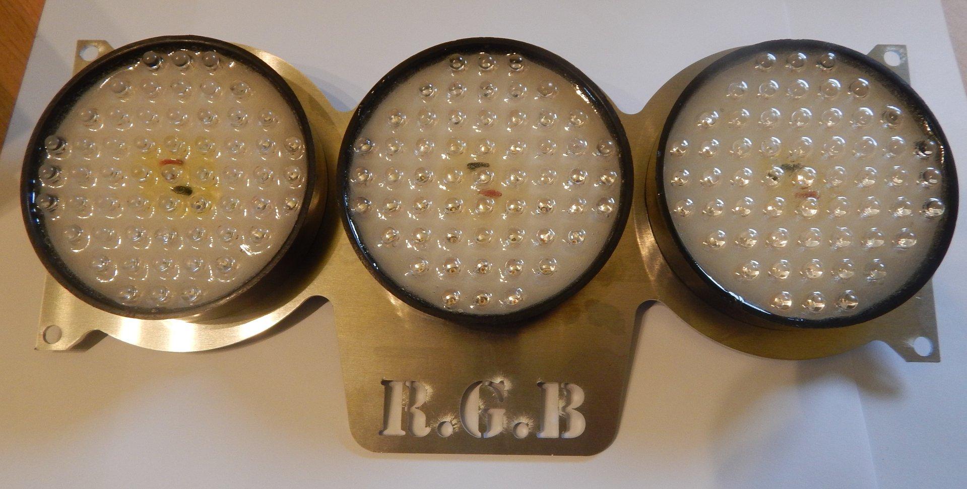 Plaque avec 3 feux leds ronds rgb engineering - Plaque vitroceramique 3 feux ...